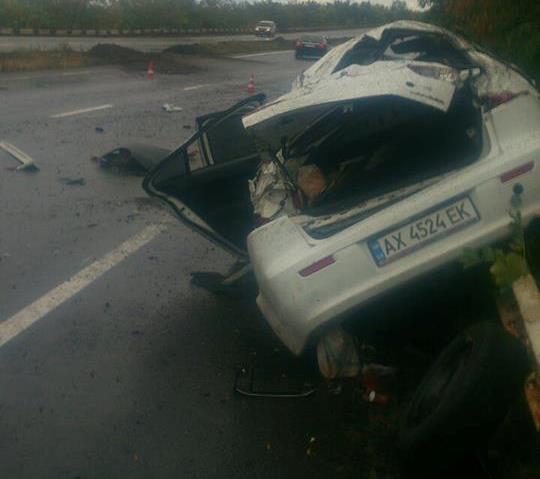 Страшная авария в Харьковской области. Девушка погибла на глазах у парня (фото)