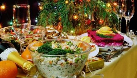 Новогоднее застолье. Харьковчане рассказали, на чем они экономили