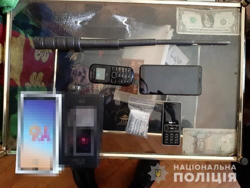 Ворвались в дом и сильно избили. В Харькове банда отморозков издевалась над людьми (фото)
