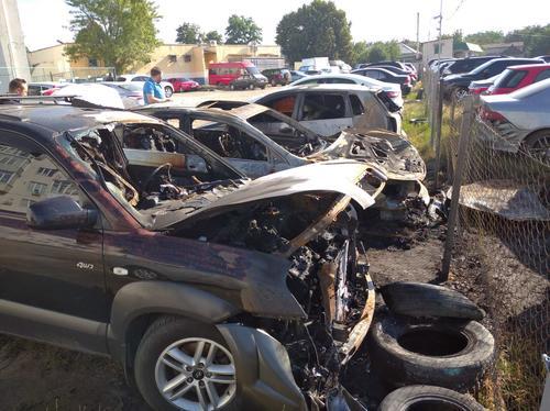 В Харькове массово уничтожают имущество горожан (фото)
