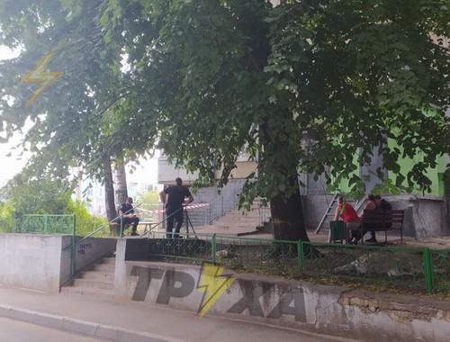 В Харькове возле высотки погиб мужчина (фото)