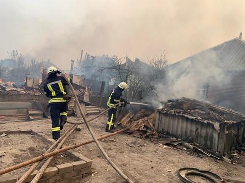 Харьковские спасатели отправились помогать людям на Донбассе (фото, видео)