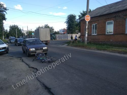 Автомобиль наехал на ребенка: авария в Харьковской области