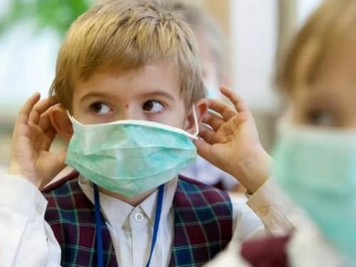 Градусники, маски, антисептик. Названы условия, без которых школы не откроются