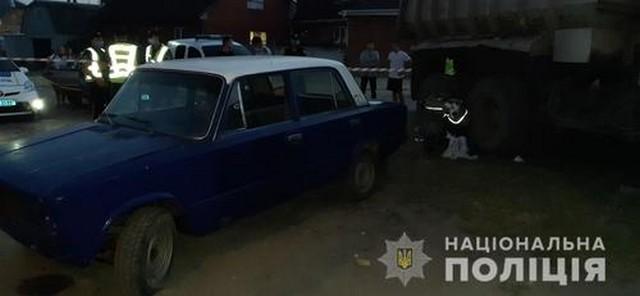В Харькове разыскивают людей, которые видели, как машина раздавила коляску с младенцем (фото)