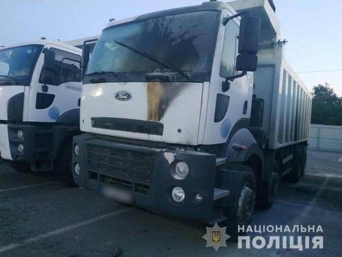 Поджог машин на стройплощадке в Харькове: информация полиции