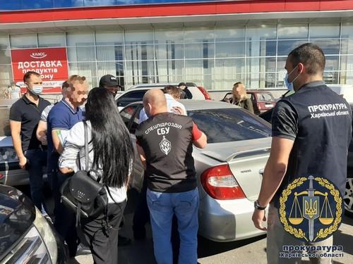 Харьковский чиновник опозорился на парковке супермаркета (фото)