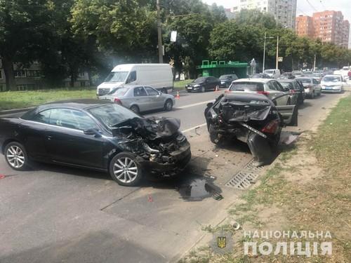 Крупная авария произошла в Харькове: есть пострадавшие (фото)