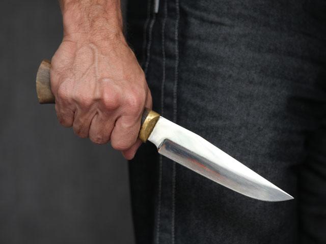 В Харькове велосипедист с ножом бросался на людей (видео)