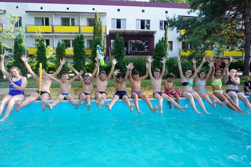 Летний отдых: откроется ли третья смена в детских лагерях Харьковщины