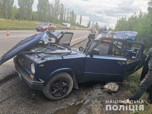 Страшное ДТП под Харьковом: людей вырезали из автомобиля (фото, видео)