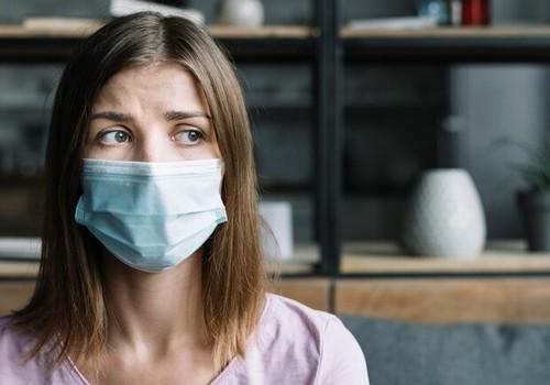 Названы сроки второй волны коронавируса. Что ожидает украинцев