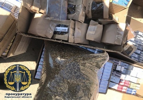 Огромное количество сигарет обнаружили на Харьковщине (фото)