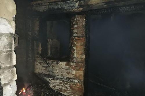 Под Харьковом в здании обнаружили труп женщины (фото)