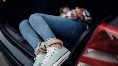 Тянули в машину на глазах у прохожих: похищение человека в Харькове
