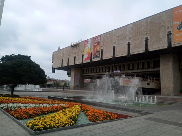 Деньги за билеты вернут. Харьковский театр отменил выступления из-за вспышки коронавируса