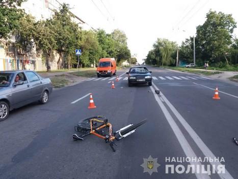 Пробил лобовое стекло: в полиции озвучили подробности аварии в Харькове (фото)