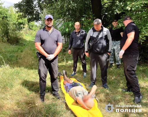 В Харьковской области дедушке пришлось ночевать под деревьями