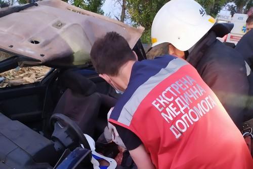 Происшествие в Харьковской области: мужчину ножницами вырезали из ловушки (фото)
