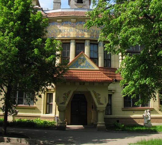 «Теремок». Историк раскрыл интересные факты о красивом здании в Харькове (видео)