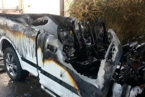 Дом удалось спасти, машина уничтожена: пожар в Харькове (фото)