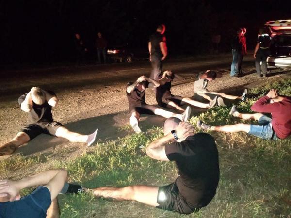 Обстрел микроавтобуса с людьми под Харьковом: налетчики задержаны (фото, дополнено)