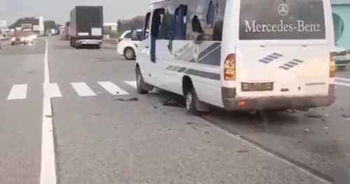Обстрел микроавтобуса с людьми под Харьковом: видео с места происшествия
