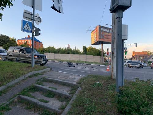 В Харькове авария произошла на глазах у полицейских (видео)