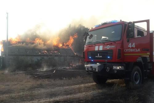 Крупное ЧП в Харьковской области: сгорело село, продолжается массовая эвакуация людей (фото)
