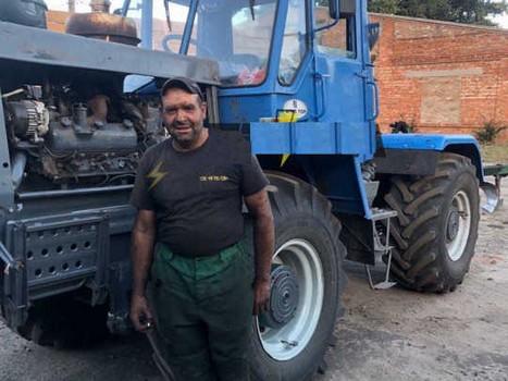 Тракторист из Харьковской области спас два десятка домов от стихийного бедствия