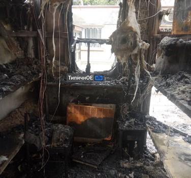 В Харькове сгорели две торговых точки (фото, видео)