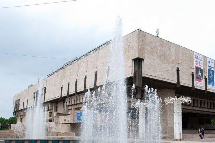 Харьковское здание, которое строили два десятка лет, разобрали на молекулы (видео)
