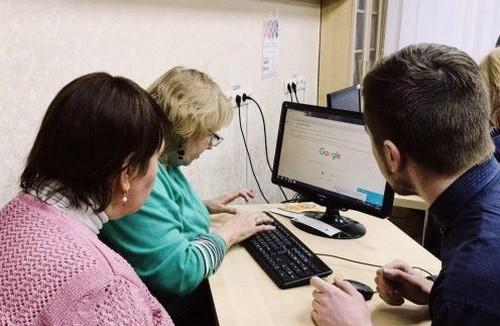 В Харькове открылись очередные бесплатные курсы для пенсионеров