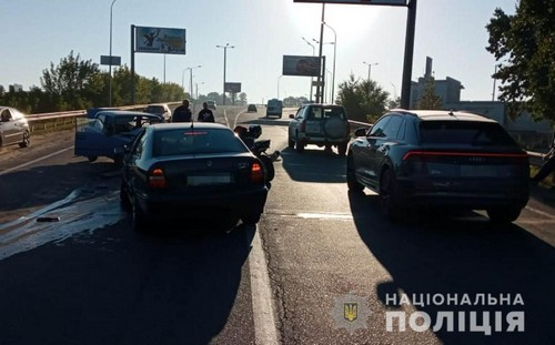 Авария под Харьковом: мужчину доставили в больницу (фото)