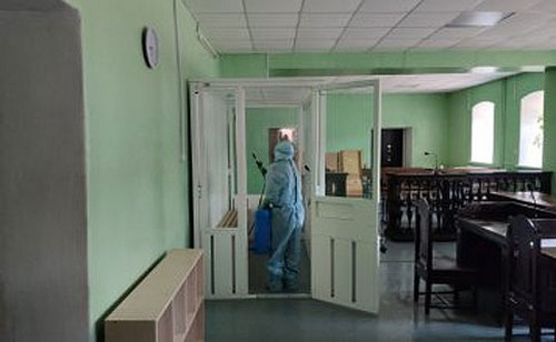 У сотрудника людного заведения в Харькове обнаружили коронавирус
