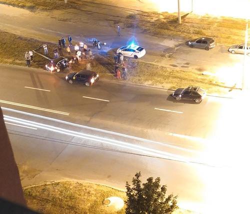 В Харькове пьяный водитель разгромил свой автомобиль (фото)