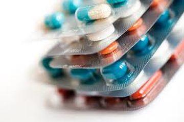 В Харькове прямо посреди улицы у мужчины отобрали лекарства