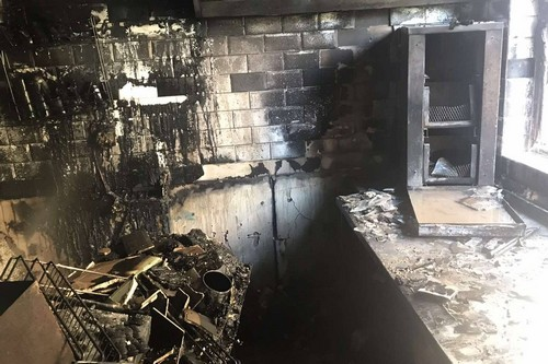 Выгорело дотла. В центре Харькове сгорела кофейня (фото)