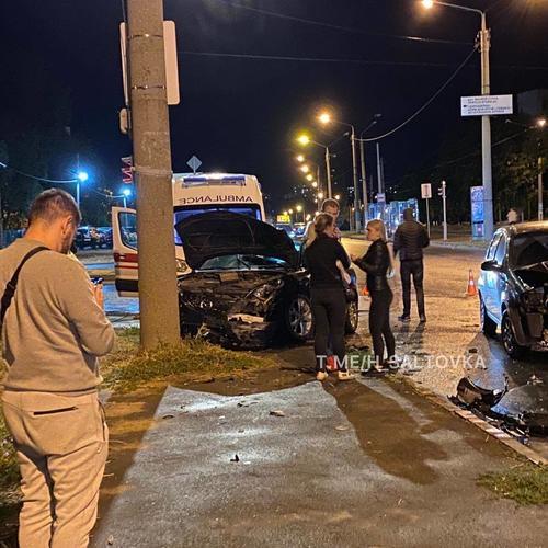 ДТП в Харькове: автомобили разбиты вдребезги, есть пострадавшие (фото)
