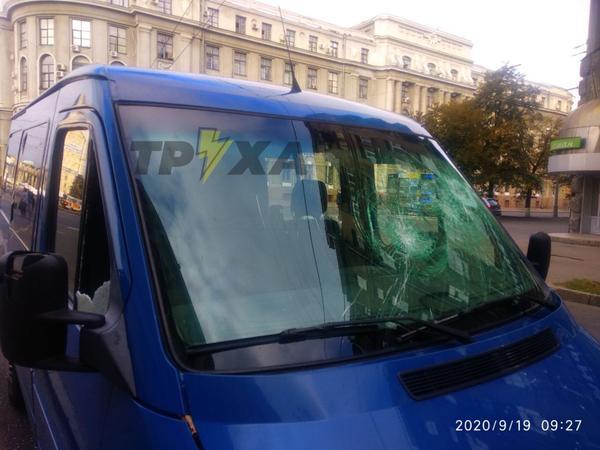 Молоток и погоня: разборки на дороге в Харьковской области (фото)