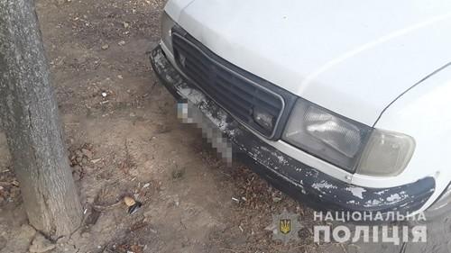В Харькове автомобиль вылетел с дороги (фото)