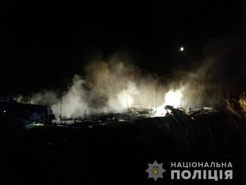 Крушение самолета в Харьковской области: на борту находилось около десяти человек (фото)