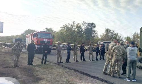 Падение самолета под Харьковом: тела погибших будут идентифицировать по ДНК