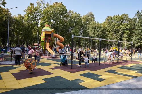 В Харькове обустроили особую игровую площадку (фото)