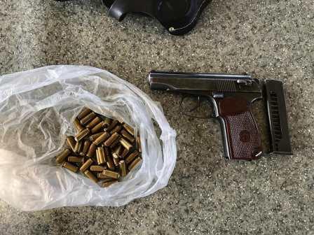 Под Харьковом поймали вооруженного иностранца (фото)