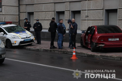Врезался в стену: авария в центре Харькова (фото)