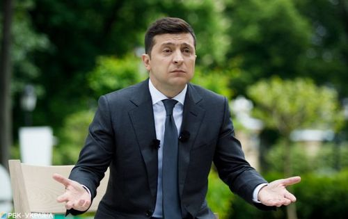 Президент Украины решил затеять всенародный опрос. О чем?