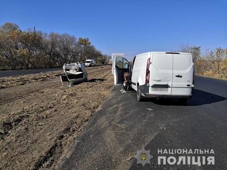 Вылетел на обочину и перевернулся: авария на Харьковщине (фото)
