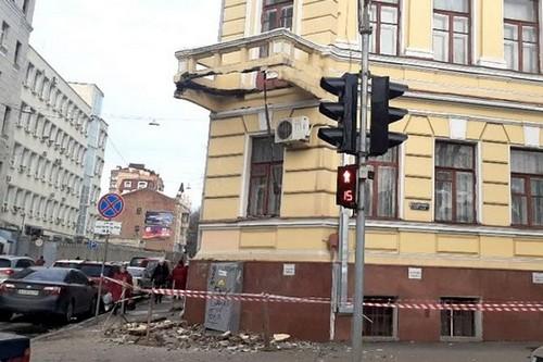 Обвал знаменитого здания в центре Харькова: спустя восемь месяцев нашли деньги