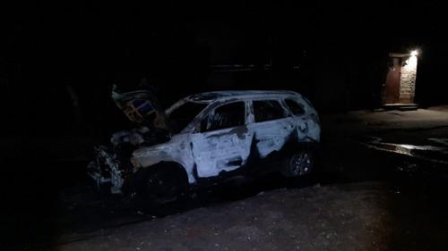 На Харьковщине чиновнику сожгли имущество (фото)